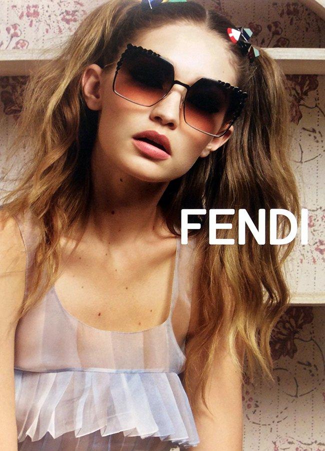 occhiali da sole a marchio FENDI