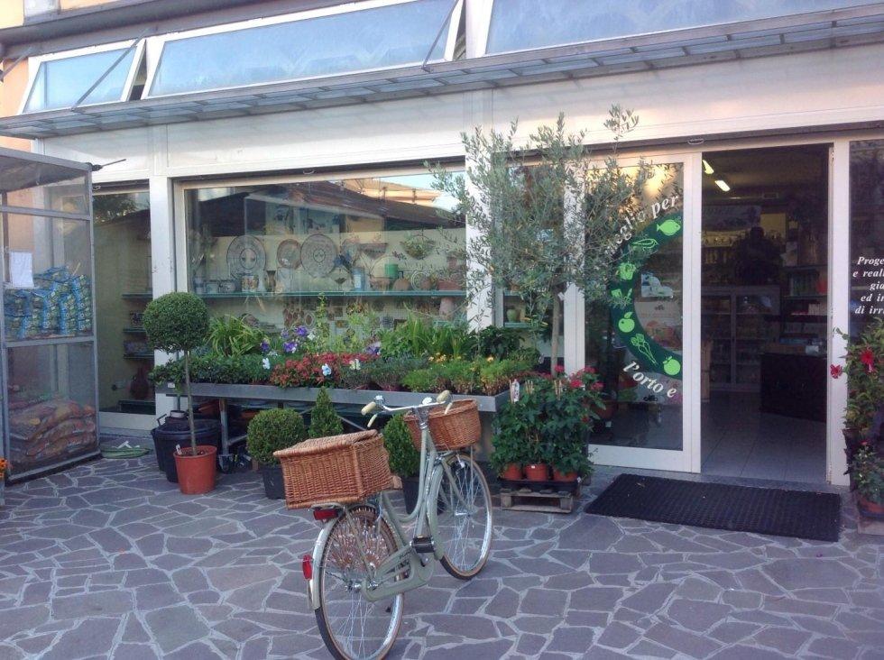 entrata del negozio di giardinaggio