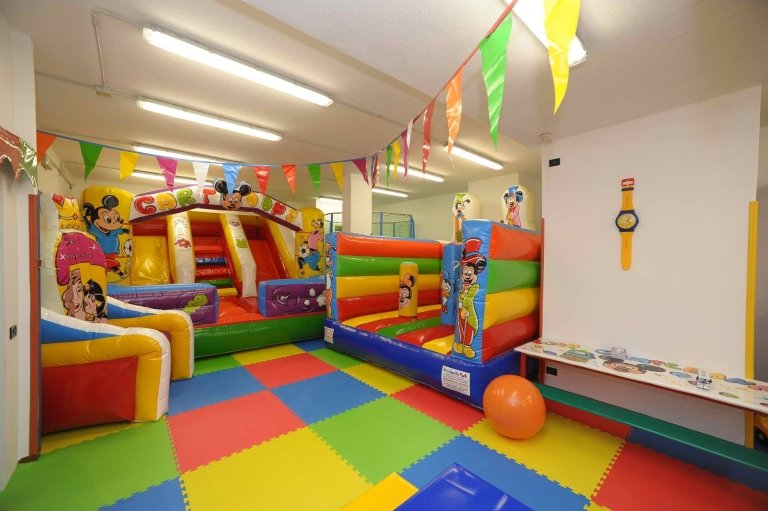 hotel with playroom
