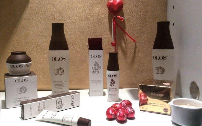 prodotti cosmetici olos Istituto di bellezza Sandra Recco