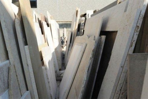 assortimento di lastre di marmo per varie lavorazioni