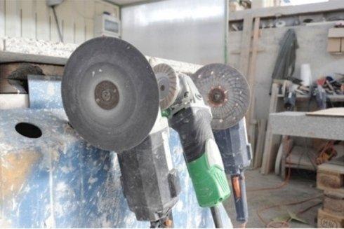 lavorazione e taglio del marmo