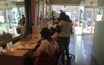 Salone parrucchieri unisex