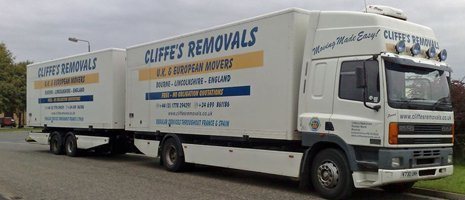 truck for commercial removals