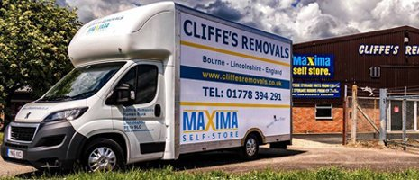 CLIFFE'S REMOVALS commercial truck