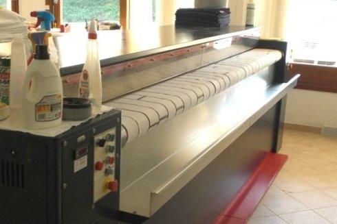 Presso la Lavanderia La Vela si esegue il trattamento e la pulitura di ogni tipologia di capo di biancheria.
