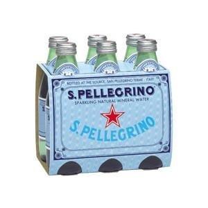 un platò d'acqua S.Pellegrino