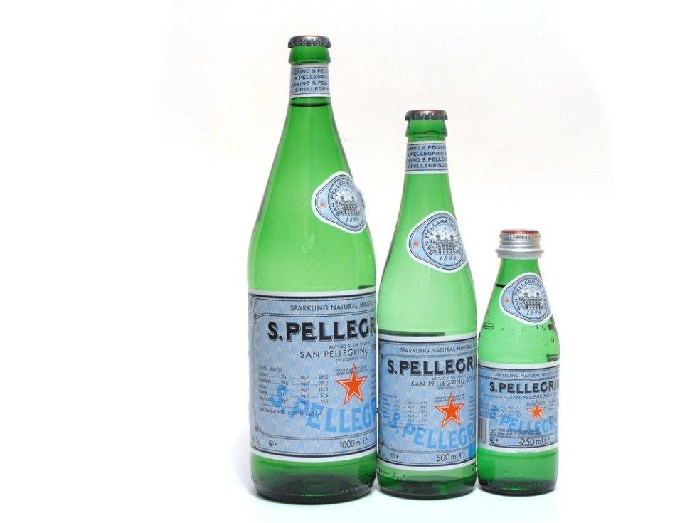 tre bottiglie d'acqua S.Pellegrino