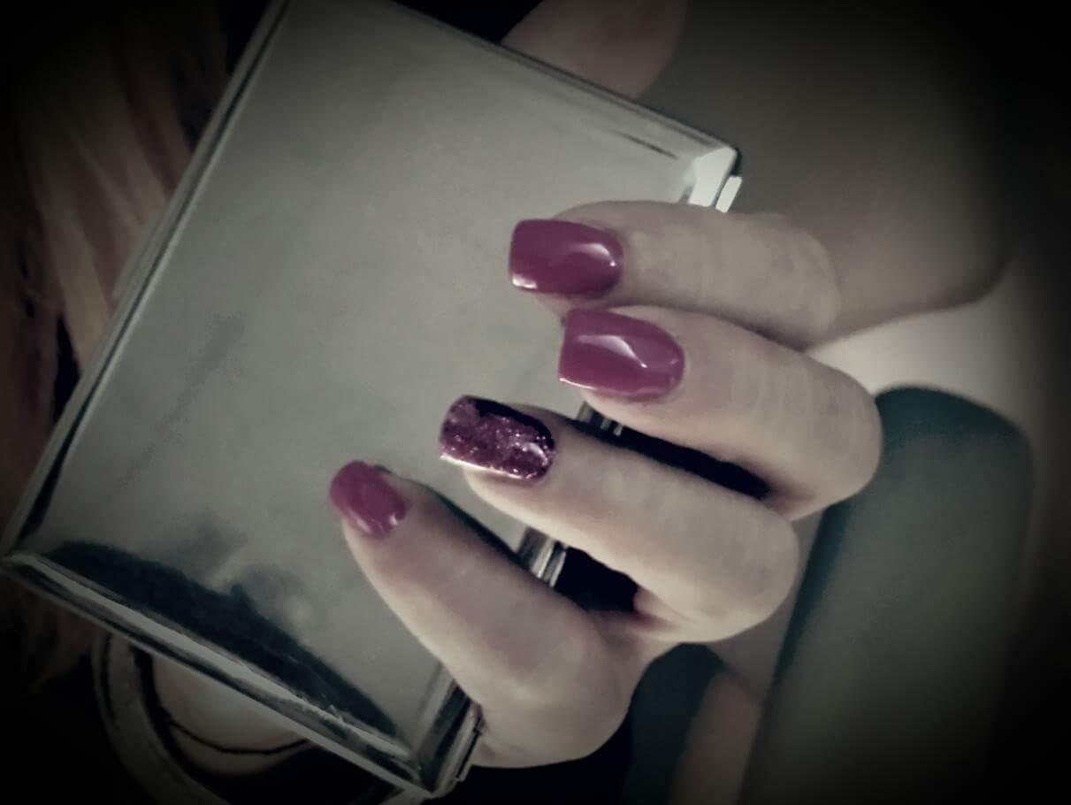 Ricostruzione unghie con gel color