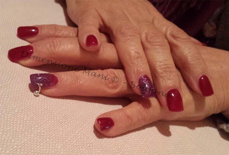 Ricostruzione unghie con Gel Colorato
