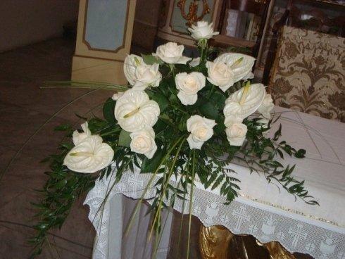 composizione floreale per sposa