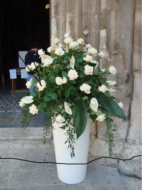 vaso di fiori per decorazione di chiesa