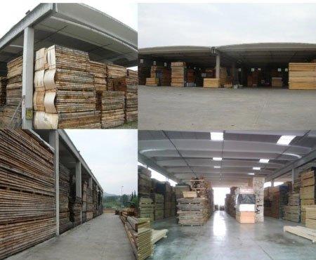 un collage di immagini dei pannelli di legno