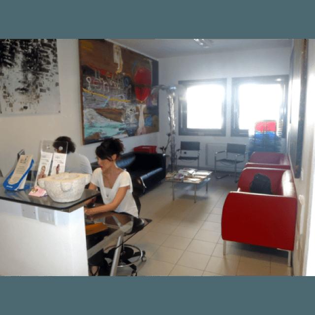 sala d'attesa studio dentistico