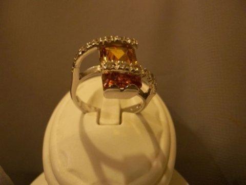 anello diamanti e pietre
