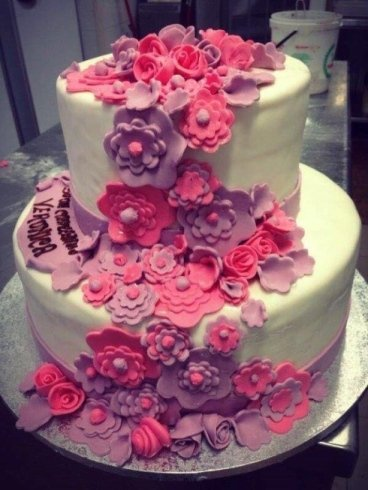 torta in pasta di zucchero