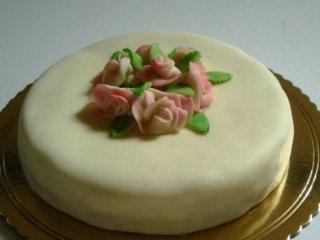 torta con roselline
