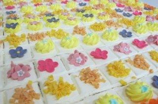 torta fiori colorata