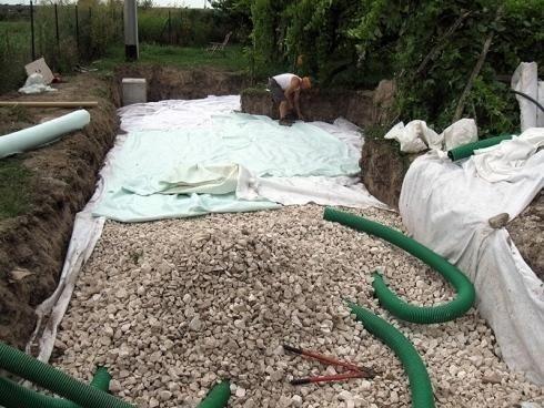 scavo con raccolta di pietre