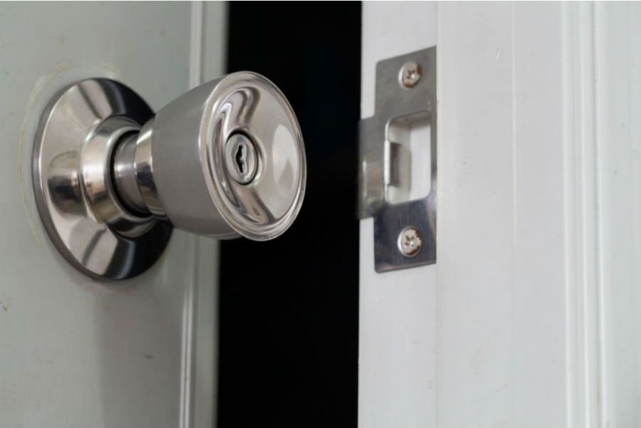 Most People Will Have To Replace A Door Lock At Some Point In Their  Lifetime, Either Because They Wish To Upgrade To A More Secure Lock At  Their Home Or ...