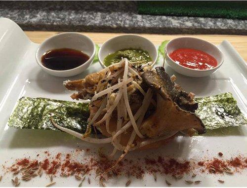 Tortilla con germogli di soia funghi e seitan a Torino