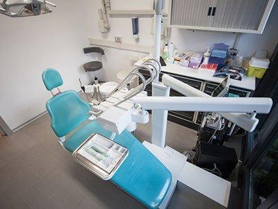 visto dall'alto della postazione all'interno dello studio dentistico