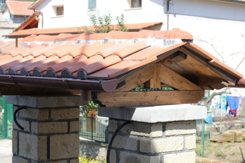 realizzazione tettoia cancello