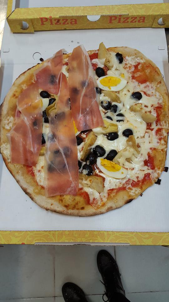 Pizza Capricciosa con prosciutto
