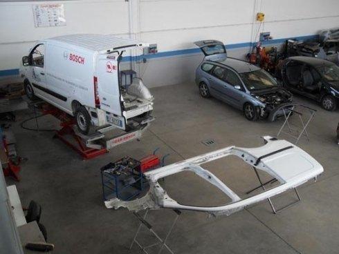 Verniciatura accurata componenti veicoli