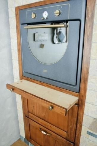mobili in legno chiaro
