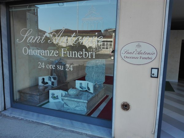 negozio Sant`Antonio Onoranze funebri