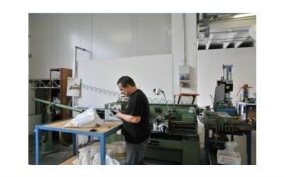 lavorazione accessori per pelletteria R.G.F. srl