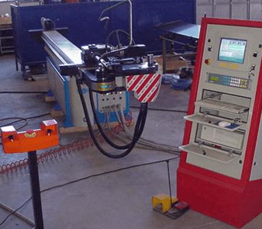 stampaggio metalli a freddo, tubi metallici, costruzione di stampi