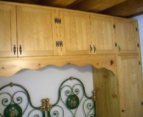 armadi rustici legno, armadi camere letto, falegnameria armadi rustici