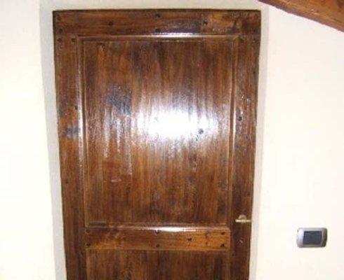 porte legno pregio, produzione porte legno pregio, porte personalizzate legno pregio