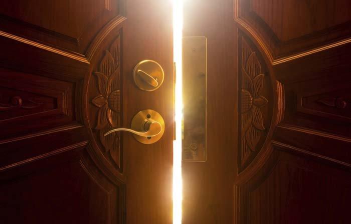 porte legno intagliato, porte legno decorate, porte decorazioni legno