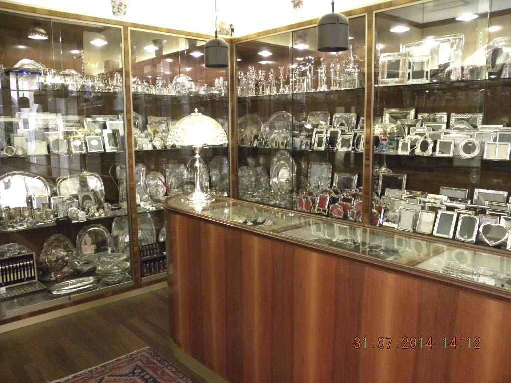 collane e bracciali in argento e pietre preziose