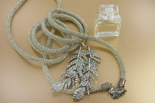 collana in argento e pietre preziose