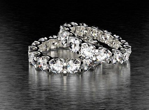 anelli in oro con diamanti