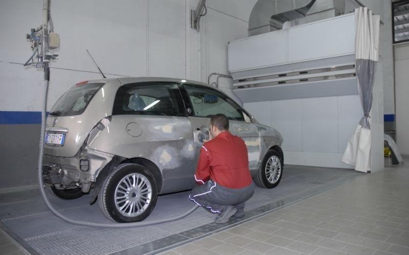 Preparazione alla verniciatura auto