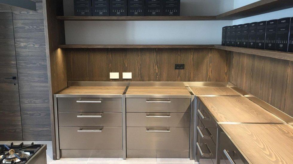 Produzione mobili in acciaio inox prato italsteel for Mobili cucine professionali