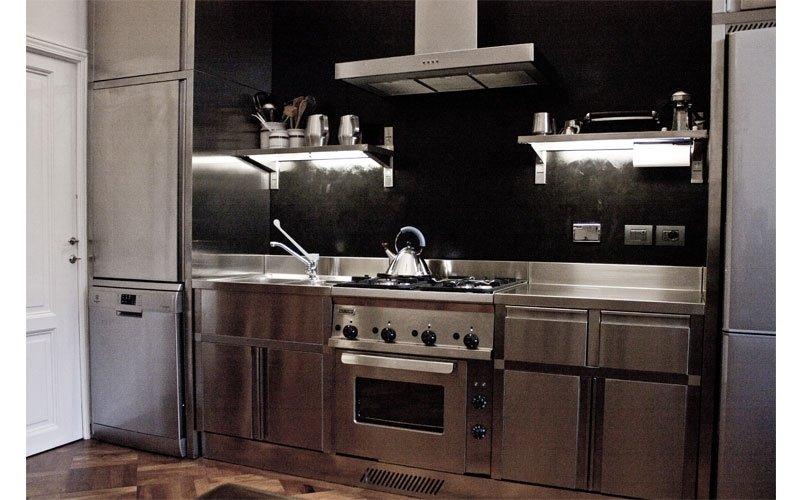 Arredamento cucine domestiche acciaio inox prato italsteel - Cucine in acciaio per casa ...