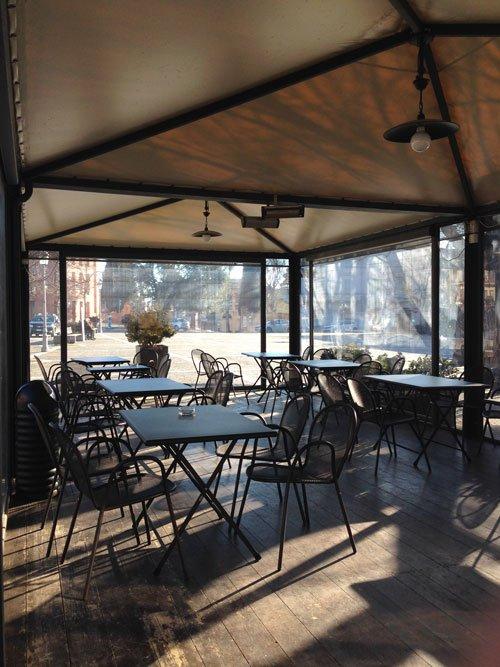 tavoli in veranda esterna
