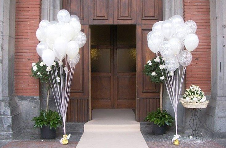 Addobbo palloncini uscita chiesa