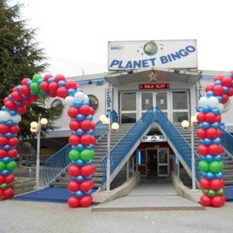 Allestimento palloncini sala Bingo