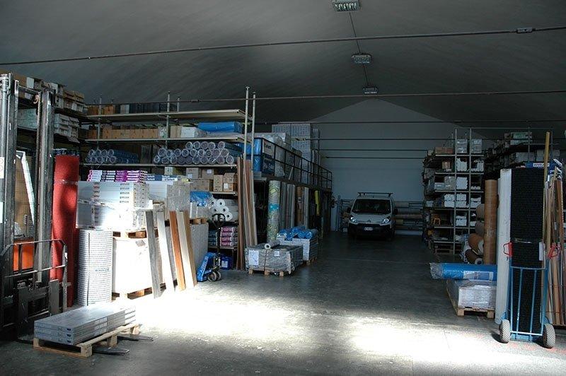 Interno magazzino