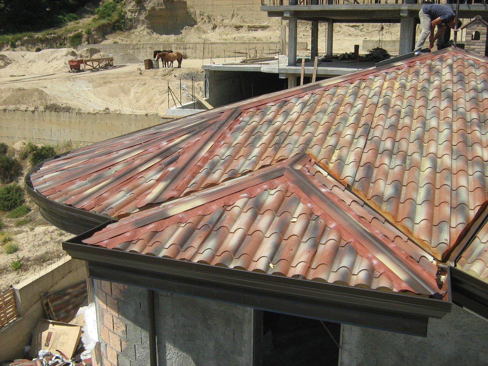 vista dall`alto di un tetto