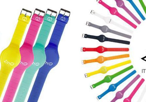dei disegni colorati di orologi da polso con scritto Zitto