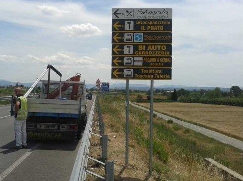 segnali indicazione, frecce indicazione, cartelli pubblicitari