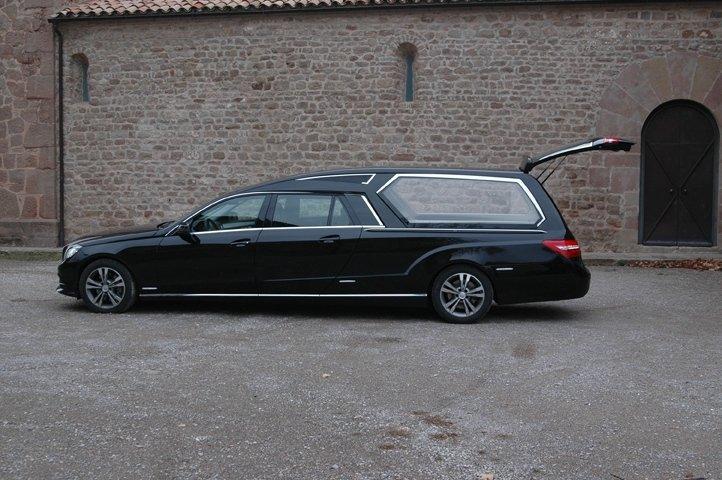 carro funebre nera